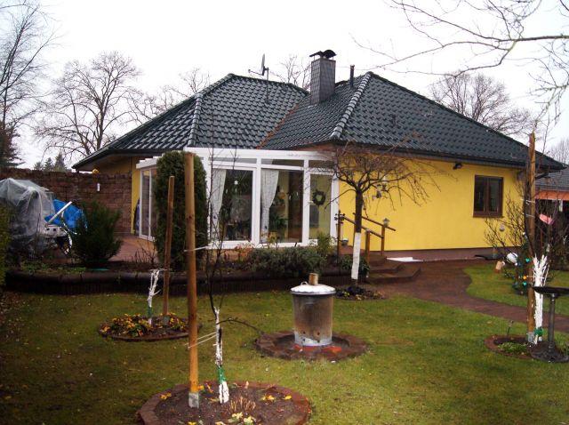 Grosszügiger Bungalow mit Pool und Wintergarten - 11.12.2013 ...