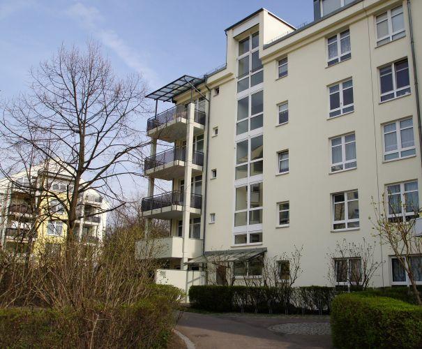 sch ne wohnung in berlin friedrichsfelde hauptstadtmakler immobilien. Black Bedroom Furniture Sets. Home Design Ideas